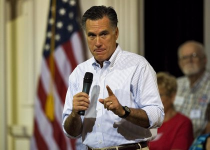 """Romney critica a Obama por desestimar la """"amenaza"""" que representa Chávez"""
