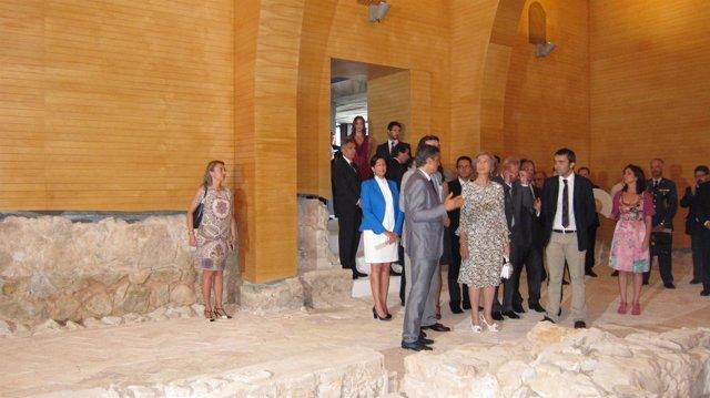 La Reina visita junto al ministro Soria y Valcárcel el Parador de Lorca