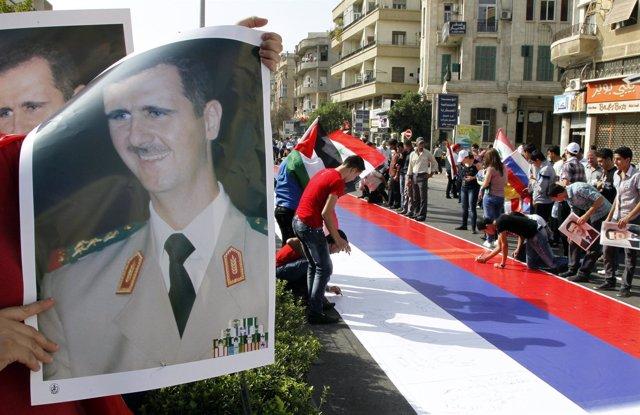 Manifestación A Favor Del Gobierno Sirio Y Del Apoyo Ruso En Damasco