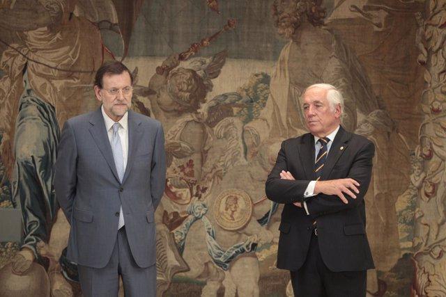 Rajoy con el alto comisionado de la marca España, Carlos Espinosa