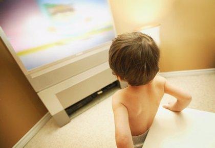 """La Defensora del Espectador de RTVE pide más """"cautelas"""" para evitar que los niños vean contenidos inapropiados"""