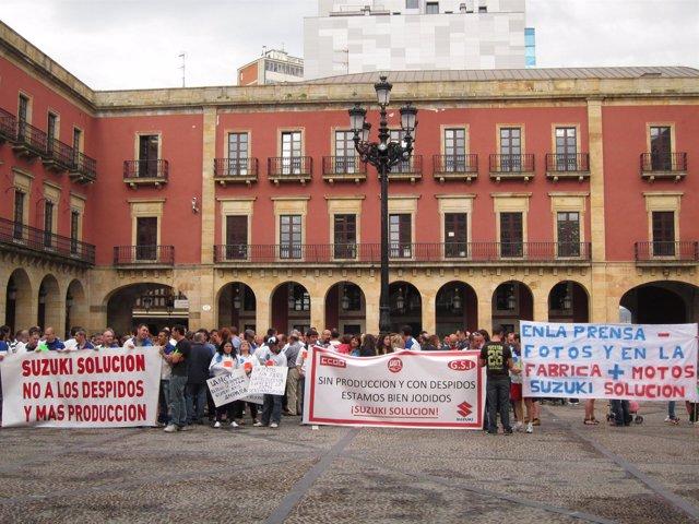 Trabajadores de Suzuki Gijón