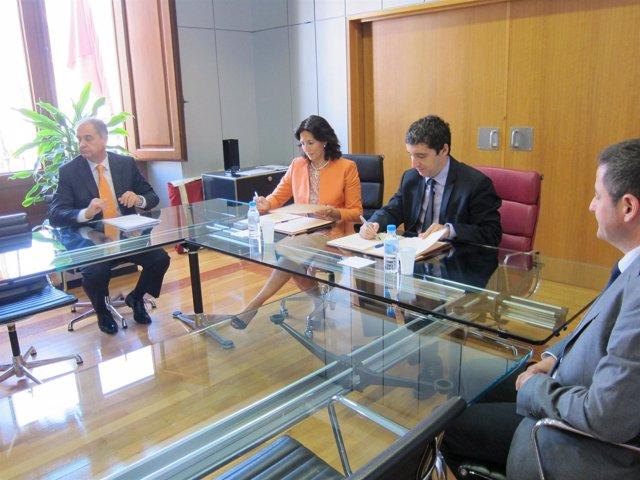 La secretaria de Estado y Pedro Alberto Curz