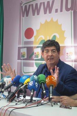El vicepresidente de la Junta de Andalucía, Diego Valderas, en Huelva.