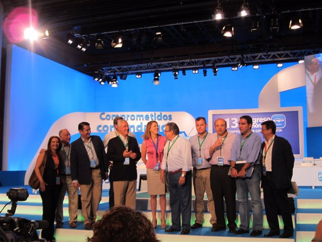 Arenas visita las instalaciones del Congreso del PP-A junto a otros dirigentes