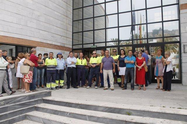 Concentración de empleados públicos en Salobreña