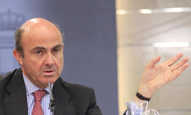 , Luis De Guindos, En La Rueda De Prensa Posterior Al Consej