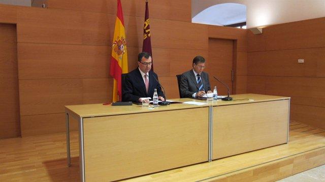 Los consejeros Ballesta y Bernal en rueda de prensa