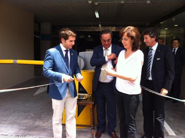Ceballos corta la cinta inaugural en presencia de Priego y Fernández