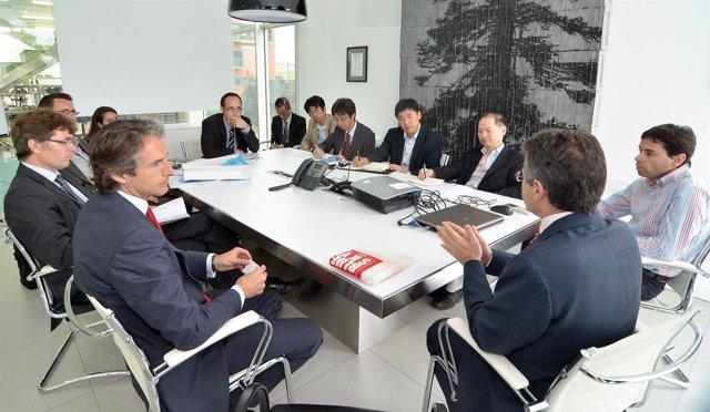 Alcalde con representantes de la firma japonesa
