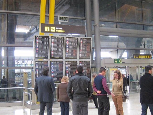 Panel En Aeropuerto De Madrid-Barajas