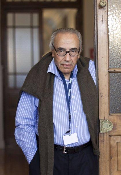 Peces-Barba permanece ingresado en el Hospital Central de Asturias