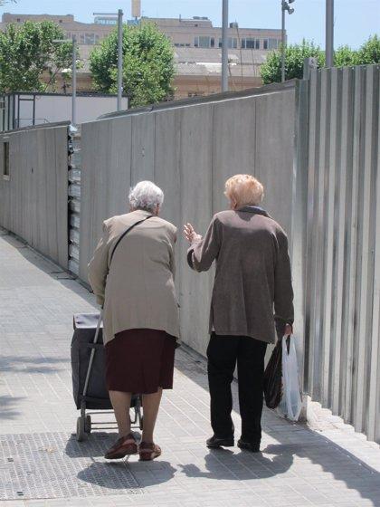 Más del 60% de los mayores de 50 años reconoce hidratarse de manera insuficiente