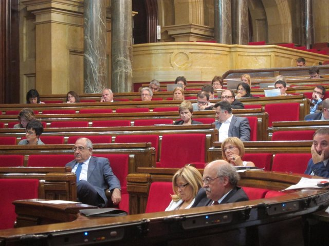Pleno En El Parlament
