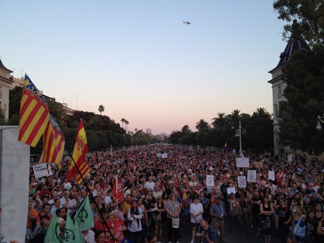 Manifestantes En Valencia