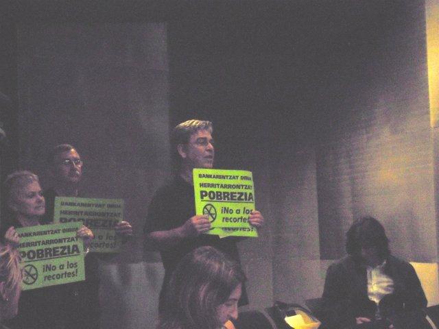 Tranajadores protestan por los recortes a los funcionarios
