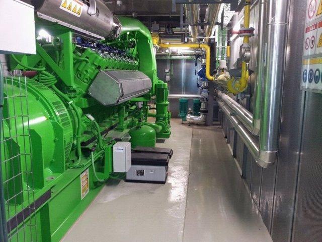Sala del motor de la nueva planta cogeneradora del edificio A del CHN.