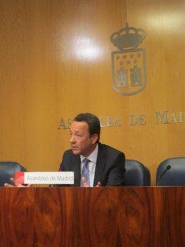 Íñigo Henríquez De Luna En Rueda De Prensa En La Asamblea De Madrid