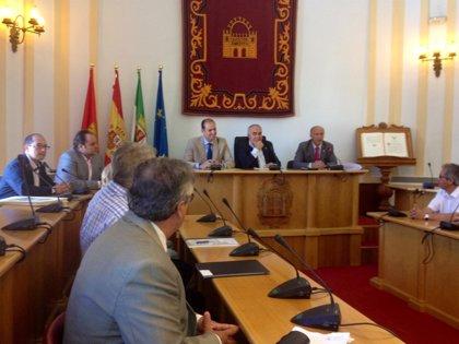 """Carrón destaca que Extremadura ha estado """"a la cabeza"""" en la implantación del modelo de pago farmacéutico"""