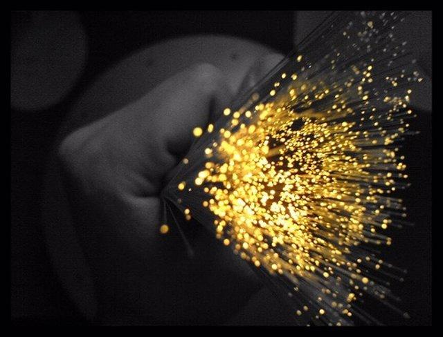 Recurso cable de fibra óptica