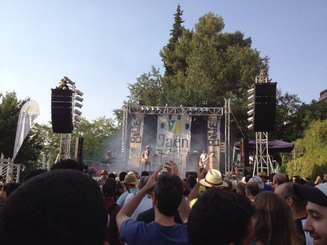 Actuación de blues en el escenario Jaén Paraíso Interior