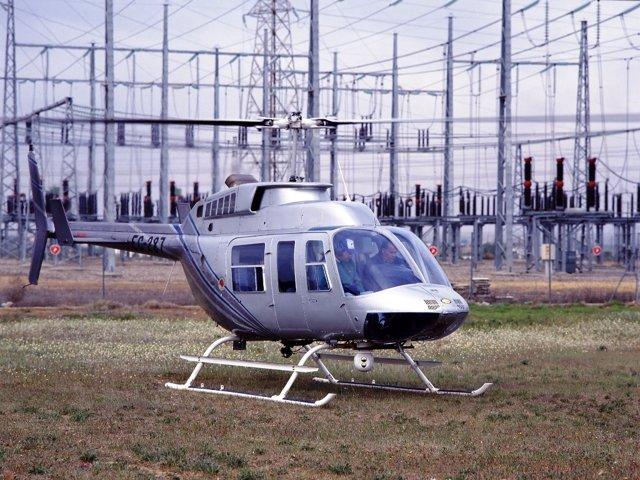 Revisión De Líneas De Alta Tensión Con Helicóptero