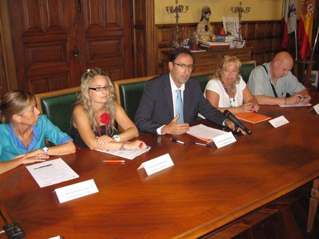 Firma del acuerdo con el Consejo Local de Peñas de Palencia