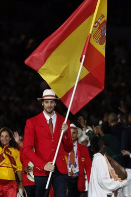 Pau Gasol, con la bandera española