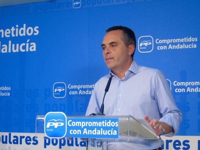Juan Bueno presenta su candidatura para presidir el PP de Sevilla