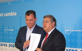 Zoido y José Luis Sanz muestran su apoyo a Bueno para presidir el PP provincial