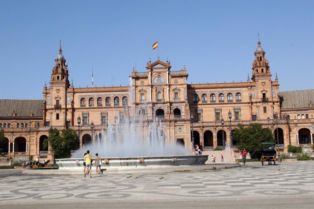 Edificio Principal De La Plaza De España.
