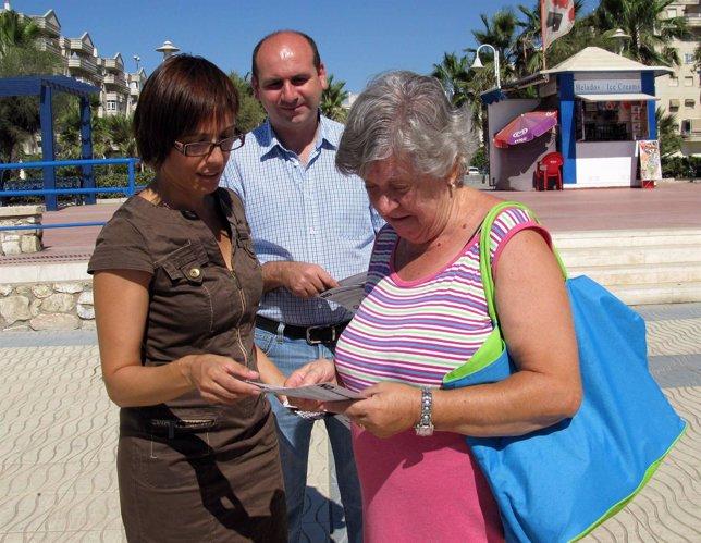María Gámez y Francisco Conejo inician una campaña del PSOE contra los recortes