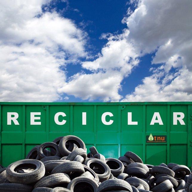 Contenedor De Reciclaje De Neumáticos