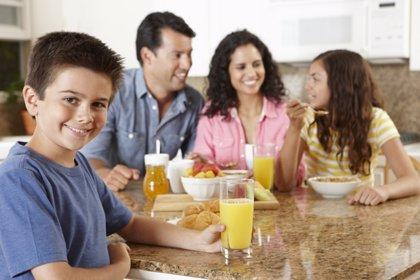 Expertos recuerdan la importancia de realizar un buen desayuno durante el verano