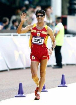 El atleta español Miguel Ángel López acaba quinto en marcha