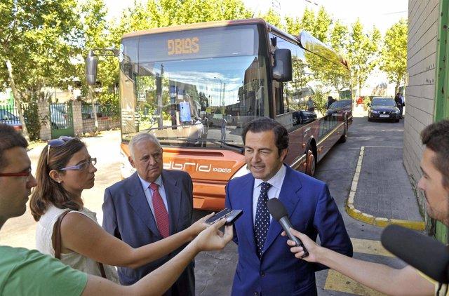 El consejero de Transportes e Infraestructuras, Pablo Cavero