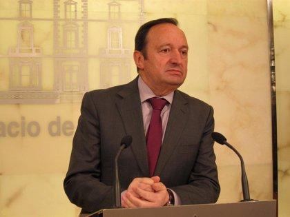 """Rioja.Sanz dice que impuestos que pagan los riojanos""""no pueden cubrir la sanidad de todos los que vengan a la comunidad"""""""