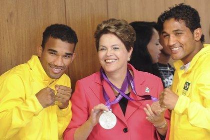 Brasil.- Rousseff recibe la bandera olímpica y espera que los JJOO sean un éxito en Brasil
