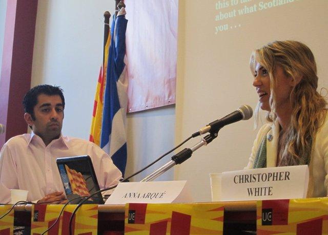Anna Arqué Y El Diputado Del SNP Humza Yousaf