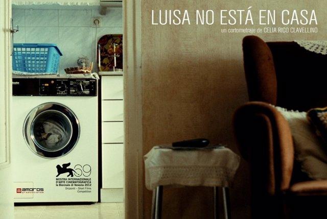 Cartel Del Corto Luisa No Está En Casa