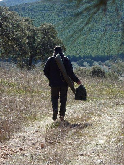 Los cazadores canarios reciben el anteproyecto de la nueva ley regional de caza para su evaluación
