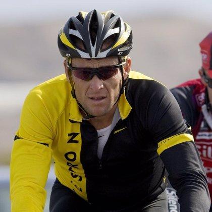 AMP.- Ciclismo.-Armstrong confirma que no seguirá luchando contra las acusaciones de dopaje y podría perder sus títulos