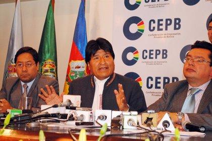 Morales llega a un acuerdo con los empresarios para redactar leyes de inversiones