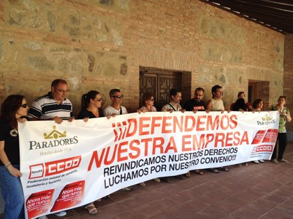 Un total de 14 empleados de Paradores se encierran en el de Toledo para exigir a la empresa que negocie el convenio