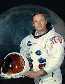 Fallece a los 82 años Neil Armstrong, el primer hombre en pisar la Luna
