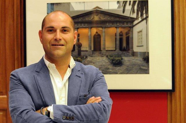 El presidente de la Comisión de sanidad y Consumo del CCN, Alfonso López