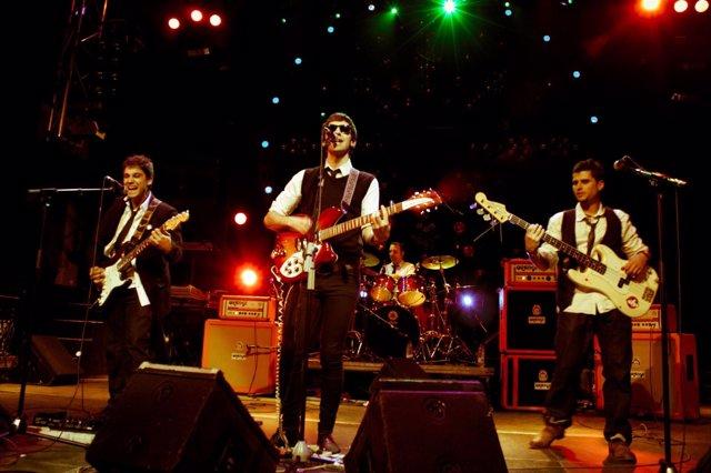 Actuación de la banda 'Sharon Bates', ganadora de Onda Rock 2012