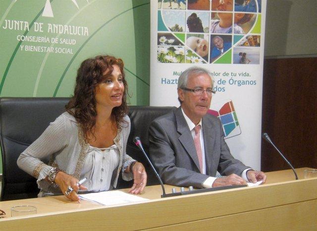 La consejera Montero y el coordinador autonómico de transplantes Manuel Alonso