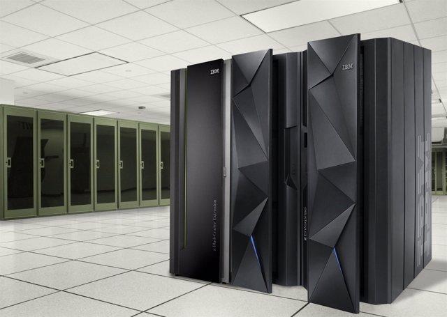 Nuevo servidor de IBM_ zEC12 .Jpg