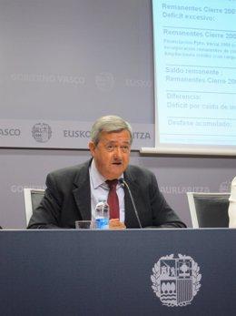 Consejero de Economía, Carlos Aguirre